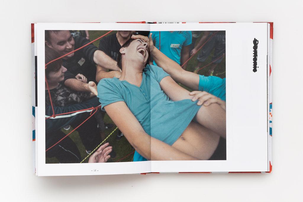 FabianWeiss-Tearsheet-1310-BOOK-Wolfskinder-07.jpg