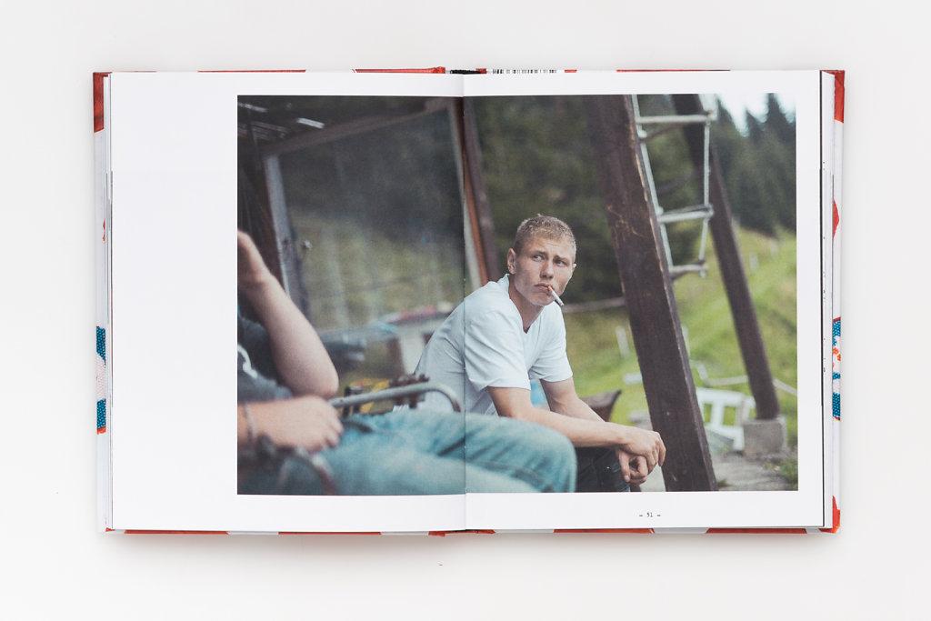 FabianWeiss-Tearsheet-1310-BOOK-Wolfskinder-14.jpg